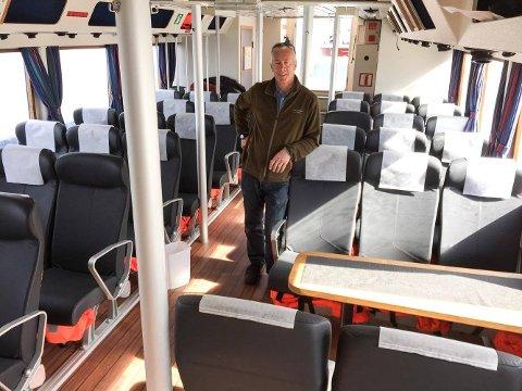 STARTER SESONGEN: Skipper Øyvind Sæter om bord i Færderfjord. Fra denne helgen kan han frakte deg til og fra Bolærne og Fulehuk.