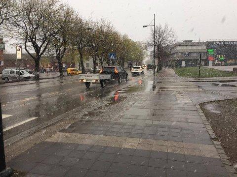 NEDBØR: Slik så det ut i Tønsberg fredag morgen klokken 07.15.