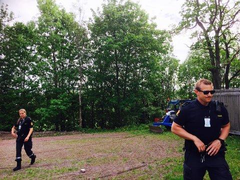 Det har kke lyktes politiet å komme i kontakt med den skadde mannen som er innlagt på sykehuset i Vestfold.