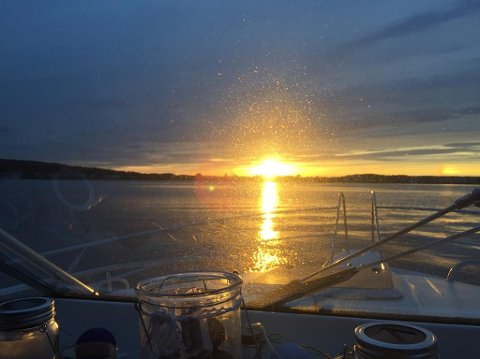 DOBBELT OPP: Vakker og spesiell solnedgang onsdag kveld.