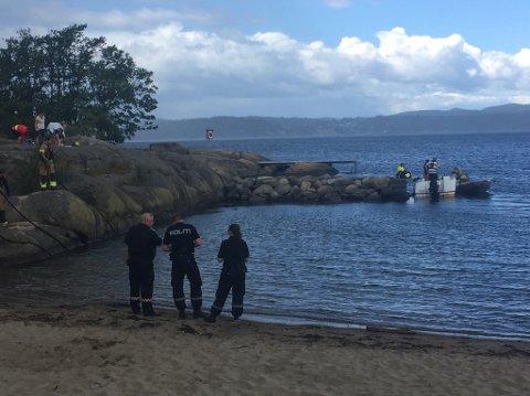 RØYK FRA MOTOR: Den første meldingen inn til brannvesenet gikk på at det skulle være brann i en båt utenfor Gon camping i Larvik.