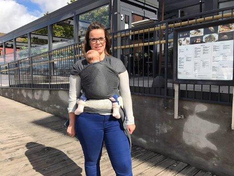 REAGERER: Emelie Knite (27) liker dårlig at hun først ble ønsket velkommen inn - for så å bli kastet ut fra Paparazzi.