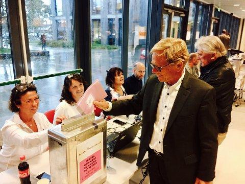 Hvem Nøtterøy-ordfører Roar Jonstang får med seg i det nye kommunestyret skal være helt klart i løpet av onsdag formiddag.