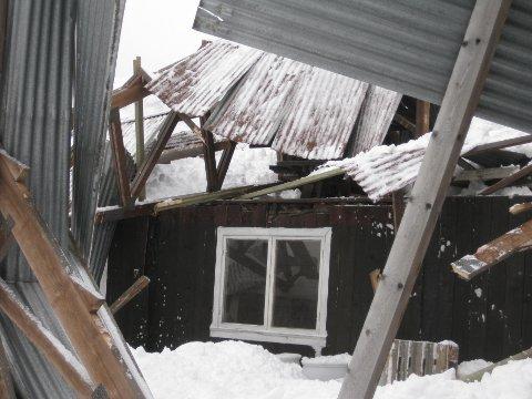 HYTTETU! Slik kan det gå om du ikke fjerner snøen på hytta, advarer Gjensidige.
