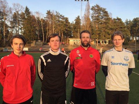 KAPTEINEN OG GUTTA: Kaptein Ole Christian Auran (nummer to fra høyre), flankert av tre av unggutta på laget. Fra venstre: Hauk Tunby, Henrik Høyer og Sander Jacobsen.