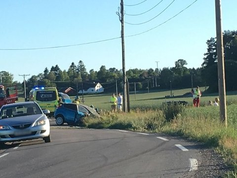 Bilen ble totalvrak i utforkjøringen.