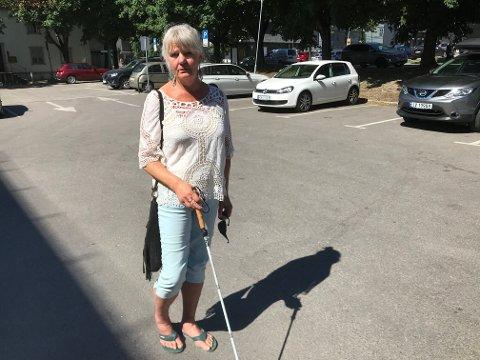VIL SI TAKK: Bente Bjelland fra Tønsberg ønsker å takke mannen som tok seg tid til å spørre om hun trengte hjelp.