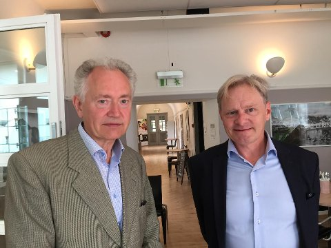 VIL VISE FRAM NASJONALARVEN: Jan Åke Petterson, avdelingsdirektør ved Haugar kunstmuseum, og Nils Anker, direktør for Vestfoldmuseene etterlyser enklere prakis rundt utlån fra Nasjonalmuseet.