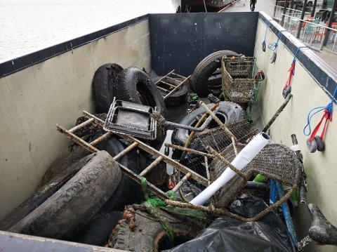 FULL CONTAINER: Dette var noe av det Tønsberg dykkeklubb fant i Kanalen.