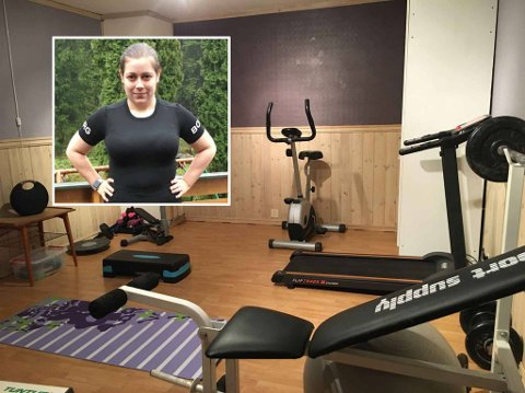 TRENINGSGLEDE: Maritha Nachelle With-Skjauff gir PT-timer fra kjellerstua. Målet hennes er å hjelpe folk med å få en aktiv hverdag.