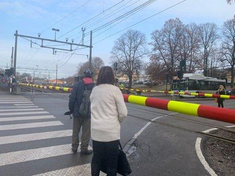 BOM-TRØBBEL: Fra 1. desember og hittil i januar er det registrert nærmere 30 tilfeller av den samme feilen på bommene ved Tønsberg stasjon.