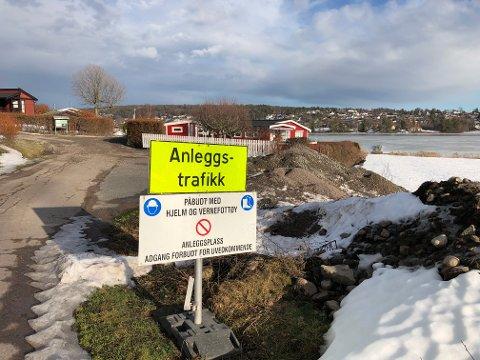 HIT, MEN HELST IKKE LENGER: Hele hyttebyen på Vear graves opp. Det er vann- og avløpsledninger som skal byttes ut.