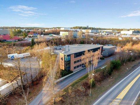 KONTOR OG LAGER: Næringseiendommen Borgeskogen 4 kan snart få ny eier.