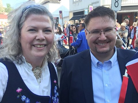 Tønsberg Venstres ordførerkandidat Suzy Haugan og leder for Tønsberg Venstre Raymond Henriksen.