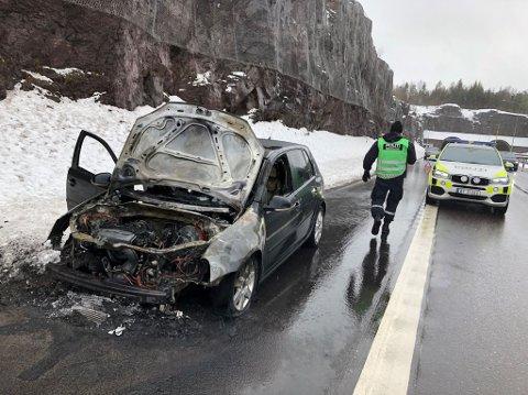 TOTALSKADD: – Bileier var fortvilet da han nylig hadde kjøpt bilen, sier brannmester Tore Dahl.