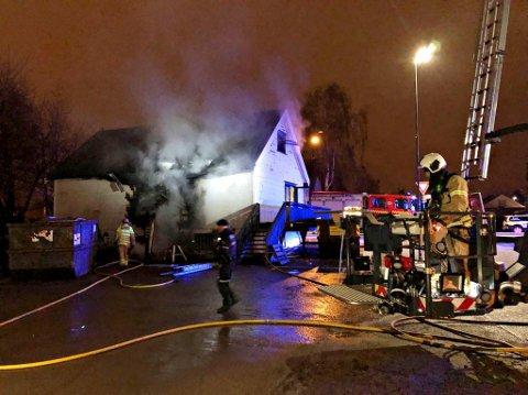 Dette bildet er tatt av Vestfold Interkommunale Brannvesen i natt.