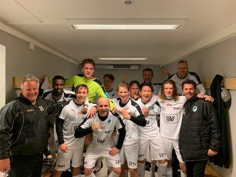 GLADE STOKKE-GUTTER: Stokke-spillerne jublet etter en sterk 4-3-seier mot Re FK.
