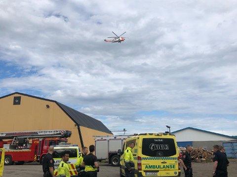 SEA KING: Redningshelikopteret kom til Jarlsberg i 16.20-tiden.