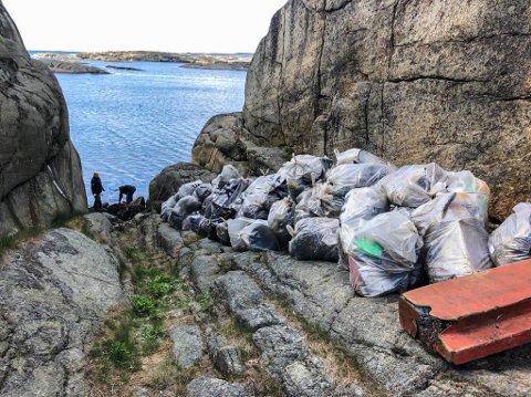 MENGDER: Sekk på sekk med avfall fra strandsonen. Det er en stor innsats som ligger bak når Tjøme-skjærgården ryddes for avfall.