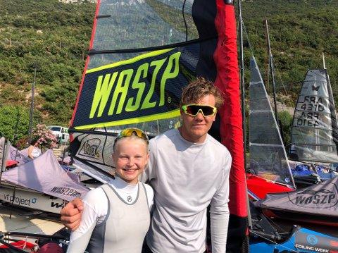 FLYR PÅ FOILER: Mathilde Robertstad og Jacob Undrum drar til EM i Italia.