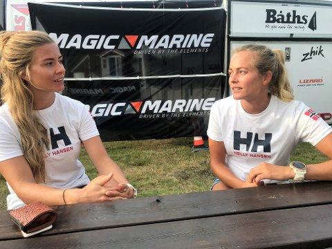 FINE DAGER: Marie Rønningen (venstre) og Helene Næss stortrives på OL-banen.