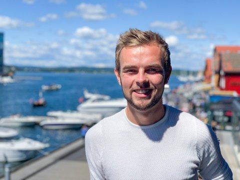 HJEMME: Eilif er hjemme i Tønsberg i sommer før han begynner i jobben som kjøkkensjef på den norske ambasaden i Paris til høsten.