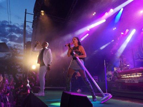 Stemningen står i taket i Foynhagen med Aqua og Lene Nystrøm på scenen.