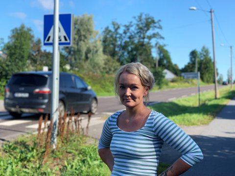 HÅRREISENDE: Anita Elisabeth Bjerkan synes det er hårreisende at bilister varsler hverandre ved kontroller.