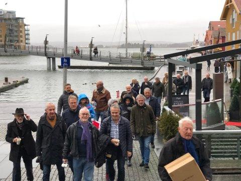 PÅ FLYTTEFOT: Nordre Sjøod ble for lite for publikummet lørdag.