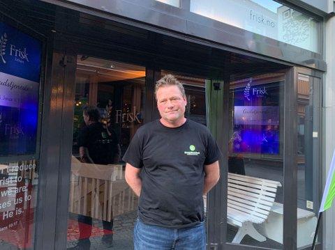 TILBUD TIL RUSMISBRUKERE: Håkon Pedersen er bestyrer ved kontaktkafeen til Evangeliesenteret.