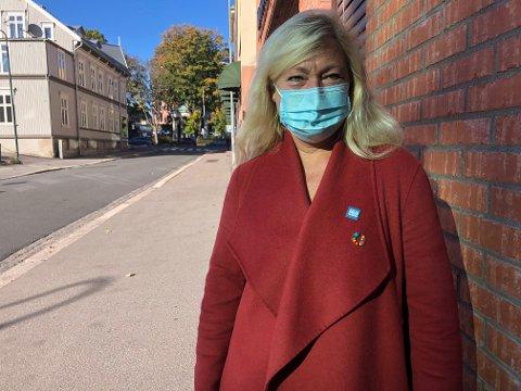 MUNNBIND: Ordfører Anne Rygh Pedersen og Tønsberg kommune innfører påbud om bruk av munnbind i butikker og lignende i Tønsberg.