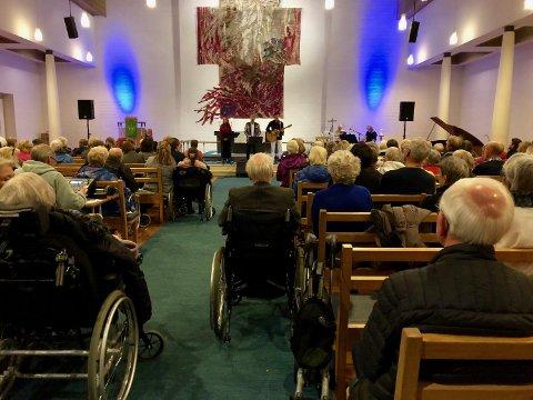 MAKS 50: Kirkene kan ha maksimalt 50 personer på gudstjenester, begravelser, dåp, bryllup og andre arrangementer. Bildet er tatt før koronaepidemien.