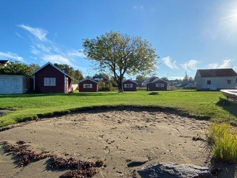 Stranda på Randineborg skal fortsatt være for allmennheten, men lenger opp har kommunen planer om fradeling til tomtesalg.