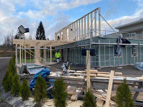 VENNERØD: Byggearbeidene pågikk onsdag da kommunens tilsynsfører var på stedet.