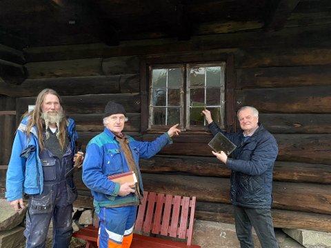 DETALJENE TELLER: Geir Røvik, Vidar Andersen og Haakon Livland mener den viktiste jobben deres er å bevare detaljene i historien.