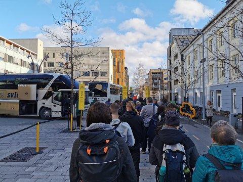 KØ: Det ble buss for tog for reisende fra Drammen.