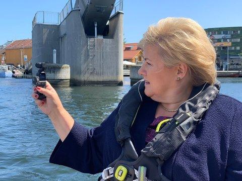 POLITIKER: Mener Erna Solberg at hun og andre politiker fortjener mer enn folk flest, spør Heidi Kolstad