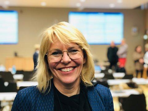 GOD INFO: Virksomhetsleder Hilde Schjerven sier kommunen har et godt system for å informere de som er berørt av den positive koronatesten hos et barnehagebarn.