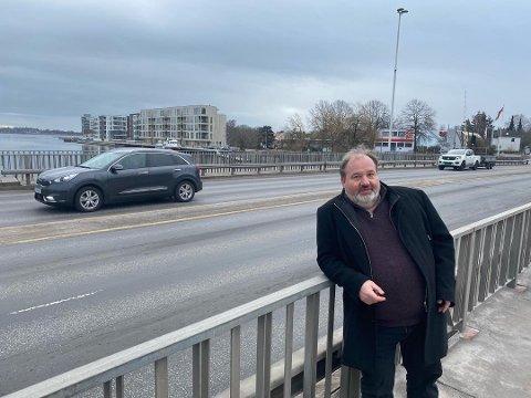 REAGERER: SVs Olav Sanness Vika mener samferdselsdepartementets nei til å forskuttere bompenger for å utrede Øst-alternativet er arrogant.