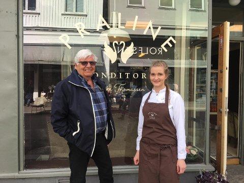 STOLT BESTEFAR: Egil Evensen måtte naturligvis innom da barnebarnet Vibeke (24) åpnet konditori i byen.