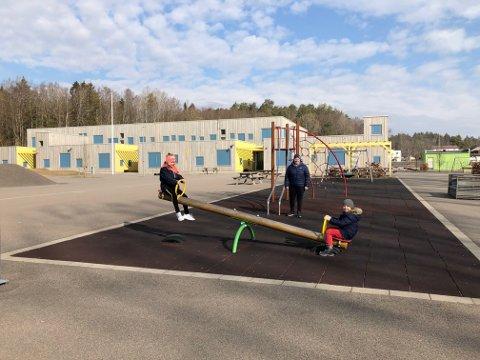 SKOLESTOPP: Skolene har vært stengt siden 12. mars på grunn av koronaviruset, og kun noen få elever av foresatte i samfunnskritiske yrker er på skolen. Det setter sine spor hos elevene ved skolen.