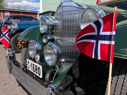 KORTESJE: Klokken 11.00 søndag starter bilkortesjen omkring Skallvold/Volden, arrangøren inviterer alle som vil til å delta.