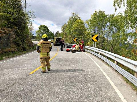 MC-ULYKKE: Ulykken skjedde i en krapp sving på fylkesvei 319.