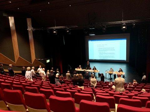 STEMMER: Slik så det ut da det ble stemt over områdeplanen for Hjemseng Brygge. Onsdagens møte avholdes i Nøtterøy kulturhus.