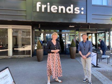 Regiondirektør Kristin Saga i NHO og daglig leder i Færd, Paal Bjønnes, har tro på fremtiden for næringslivet i Tønsberg. Men da er det viktig med økt handel, og mindre permitteringer.