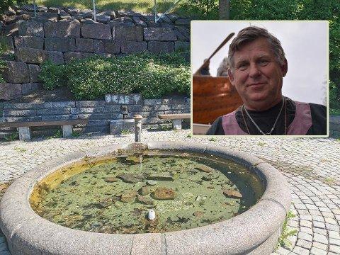 HÆRVERK: Vannspringen er knekt og store steiner er kastet ut i vannet. Eivind Luthen synes det er synd at noen har fått seg til å gjøre dette.