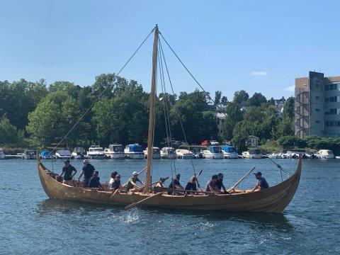 EL-MOTOR: Om ikke så veldig lenge vil denne franske vikingskip-replicaen ha el-motor ombord, utviklet og levert i Tønsberg.