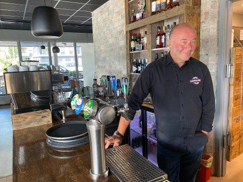 POSITIV: Restauranteier Ingve Kjelsrud har hatt mange besøkende under Spis ute-uken og er positiv til kampanjen