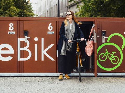 I BOKS: I forbindelse med Mobilitetsuka får syklister i Tønsberg et helt nytt tilbud slik at de kan sette fra seg sykkelen på en helt trygg måte.
