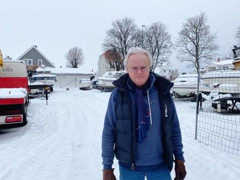 Cato Praner er formann i Vallø velforening og har, på vegne av naboene, skrevet en klage på tomteiernes søknad om å starte bobilplass på denne tomten. Aller mest bekymrer han seg for trafikken en slik virksomhet vil bringe til området.
